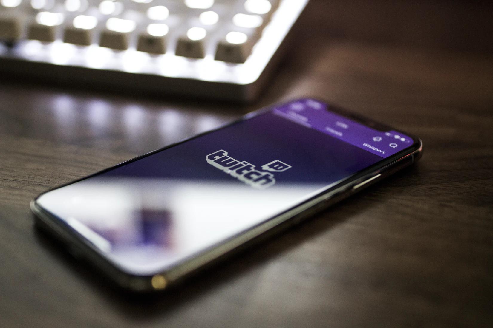 Twitch iOS App on iPhoneX - Caspar Camille Rubin
