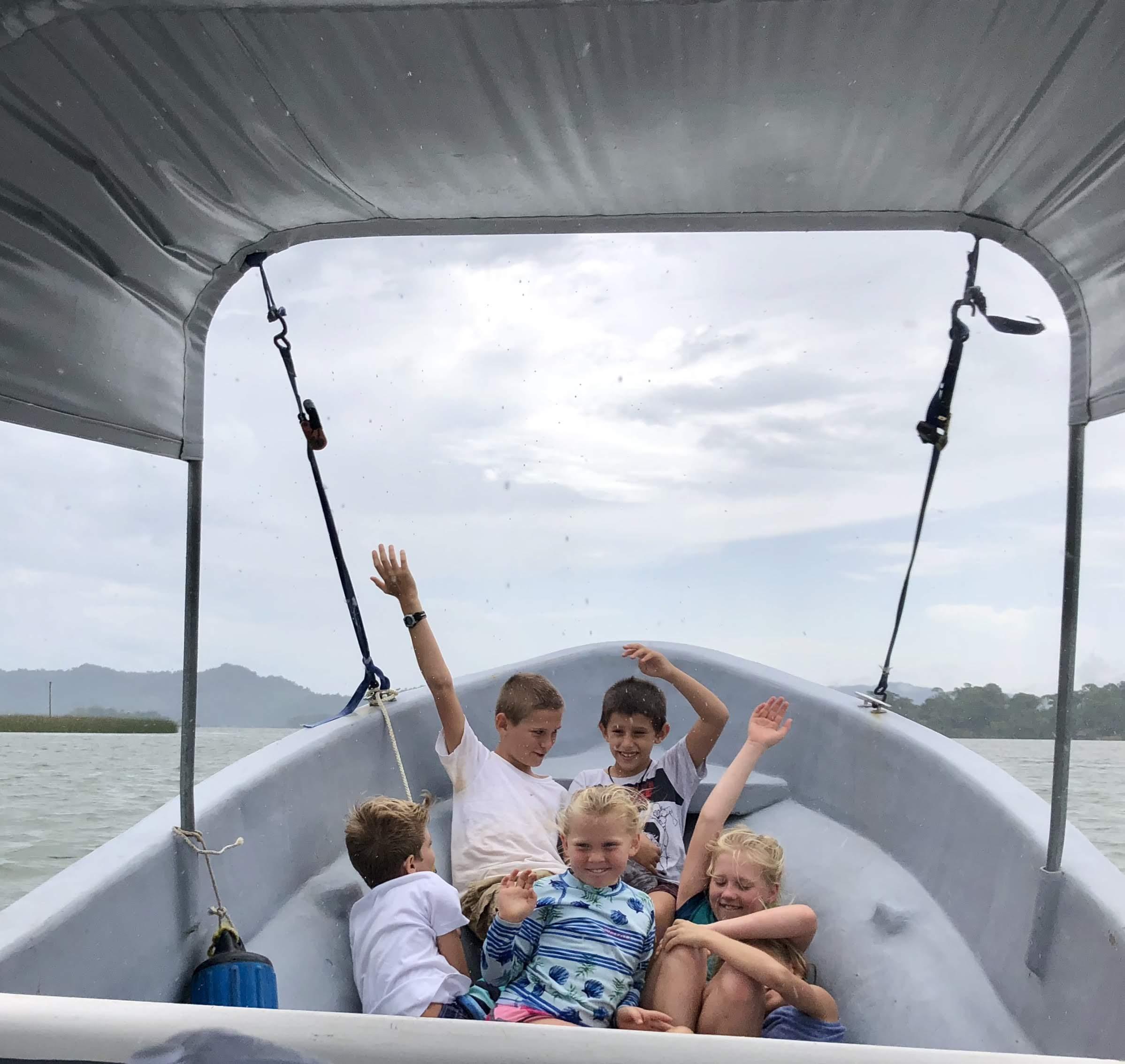 lancha boat kids