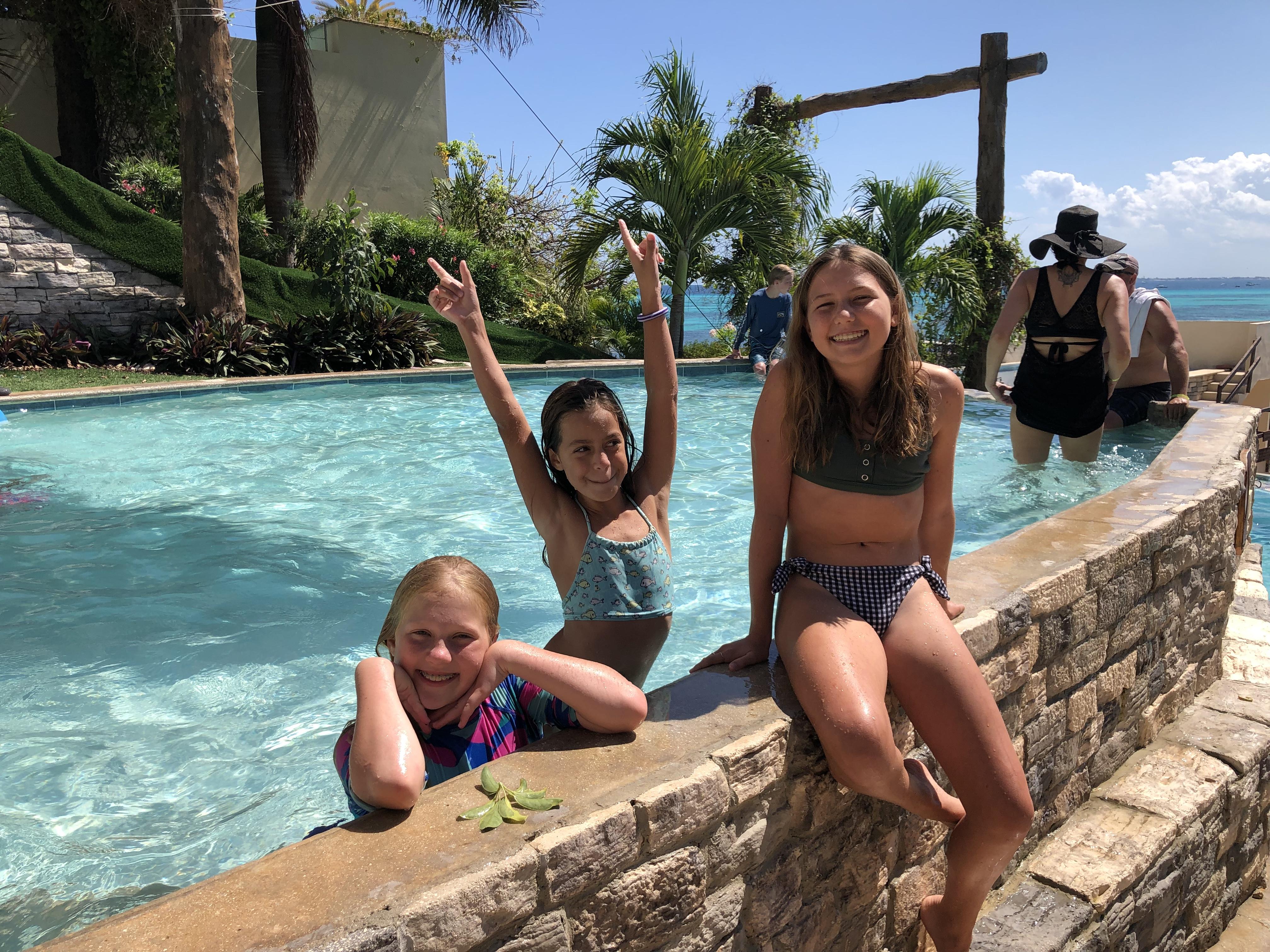 Zoe, Morgan and Audrey in Isla