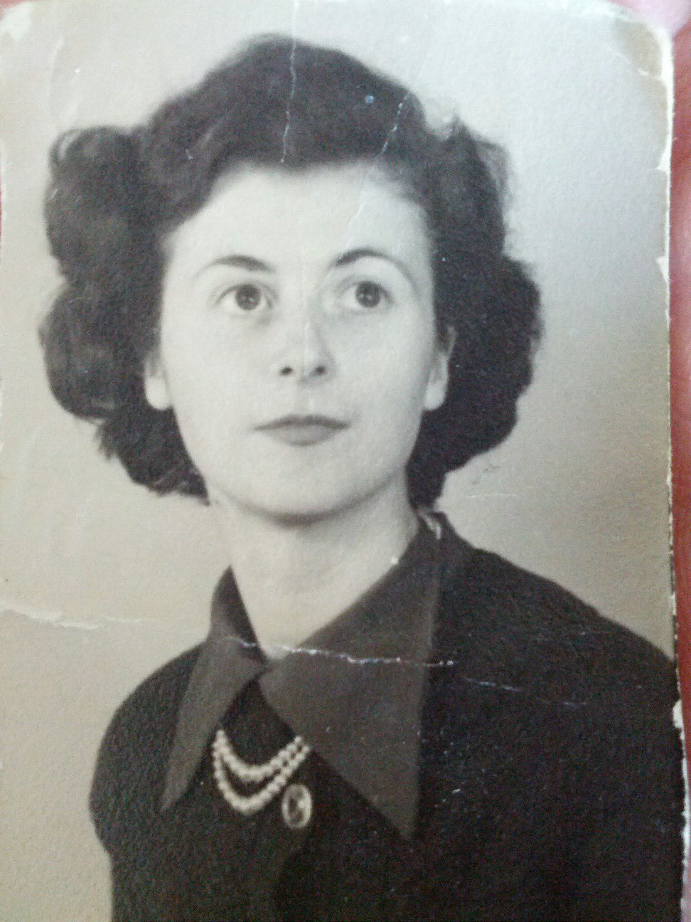My grandmother, Joan Bagg. Lost to us in April 2013 but never forgotten!