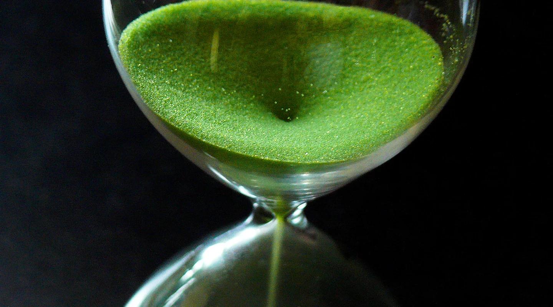 01-hourglass