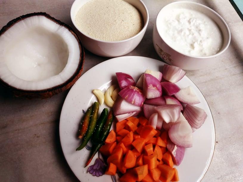 sooji uttapam chopped ingredients