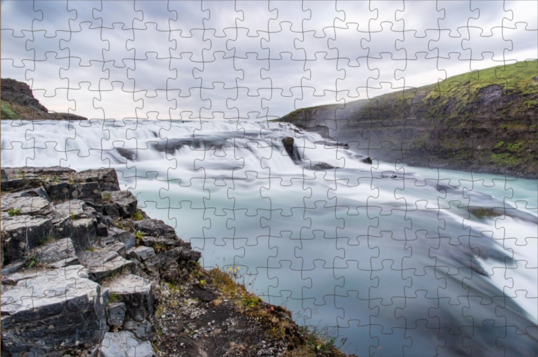screenshot of a jigsaw puzzle