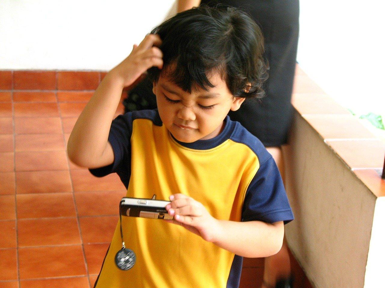 boy-61171_1280