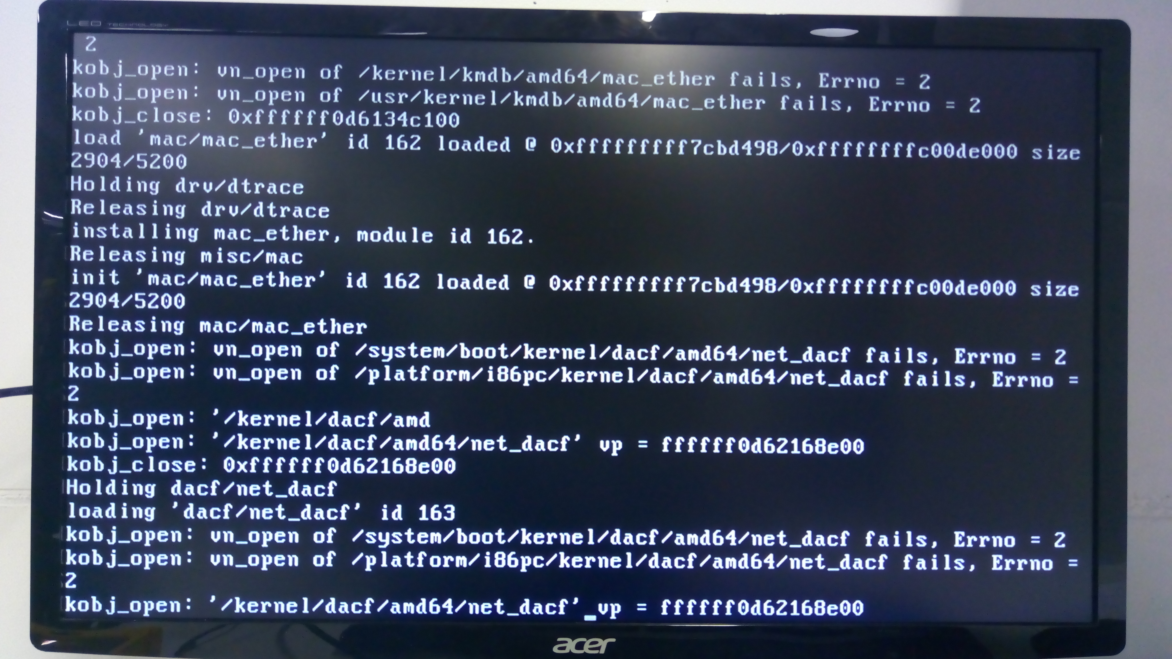 Unable to boot smartos-live at Intel NUC 7i5BNH · Issue #727