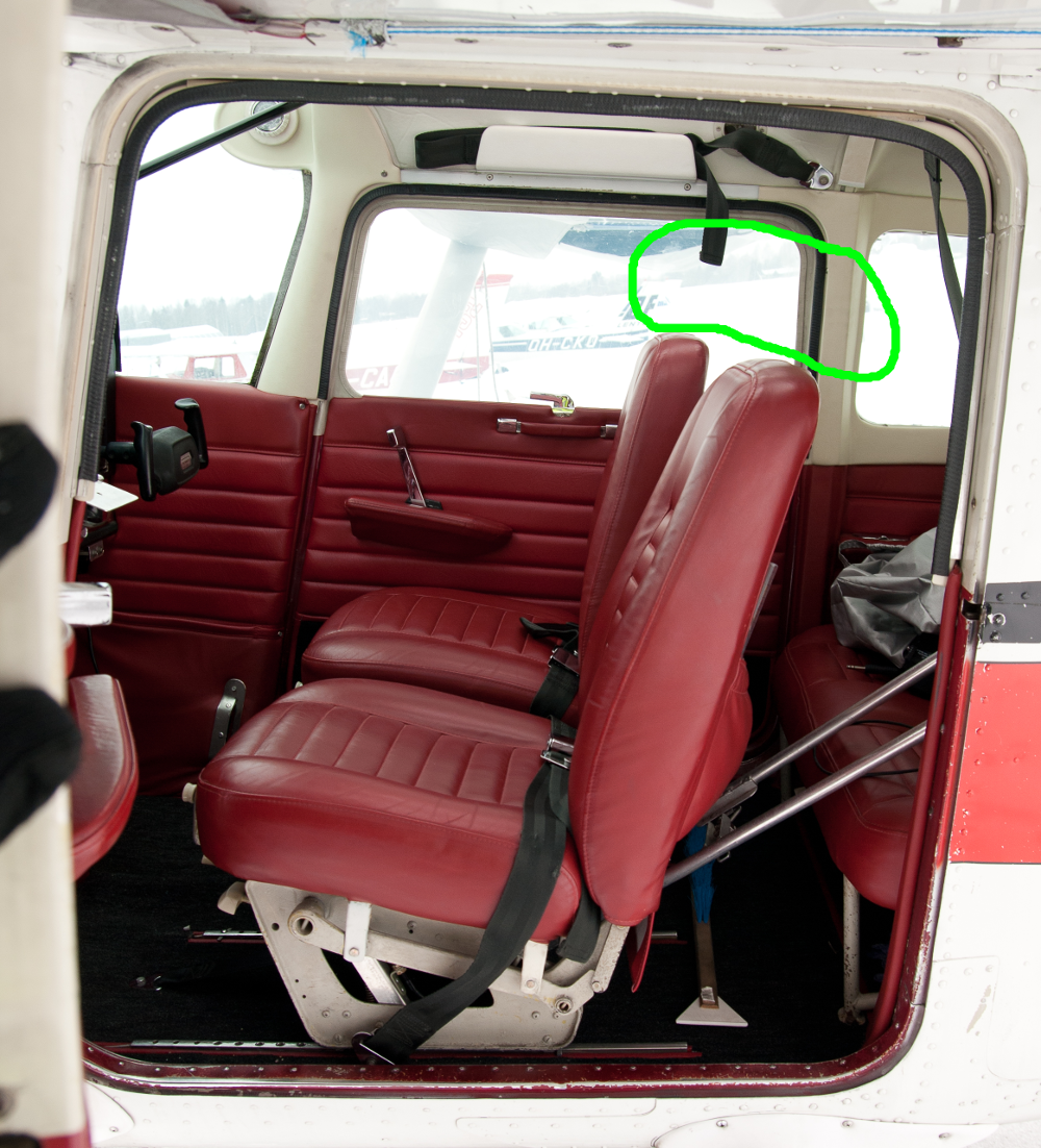 Improve the seats and remove headrests · Issue #1069 · c172p