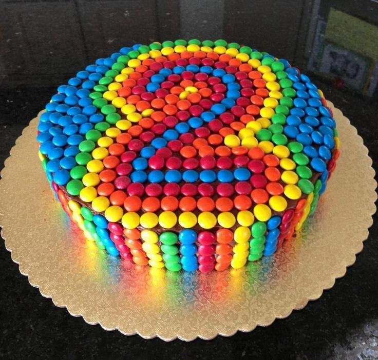 2cfa9cde9f295d8eb72eb010bcea959e--smarties-cake-nd-birthday-cakes