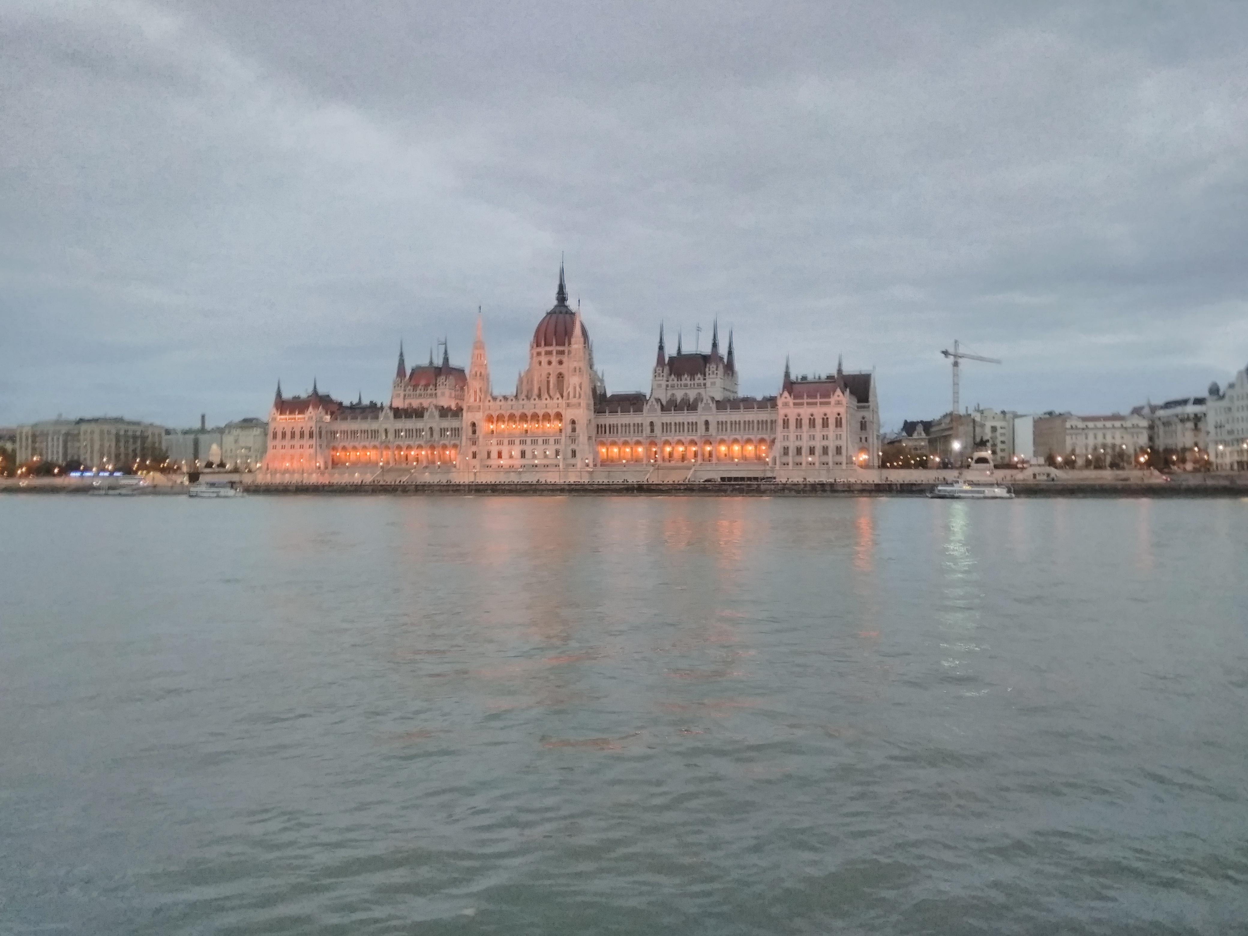 Parlamento Binası Resmi